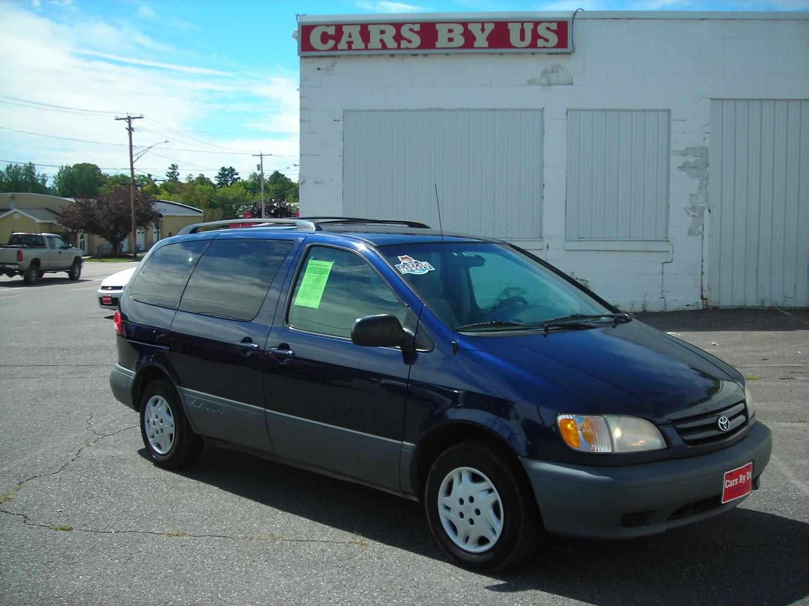 Pre-Owned 2003 Toyota Sienna LE