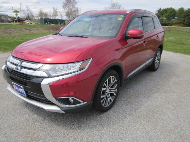 Certified Pre-Owned 2017 Mitsubishi Outlander SE