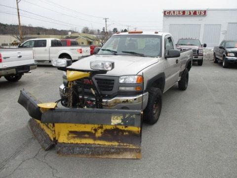 Pre-Owned 2005 GMC Sierra 2500HD Work Truck